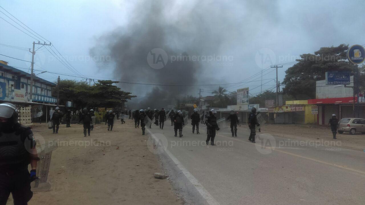 enfrentamiento-guacamayas-policia-normalistas