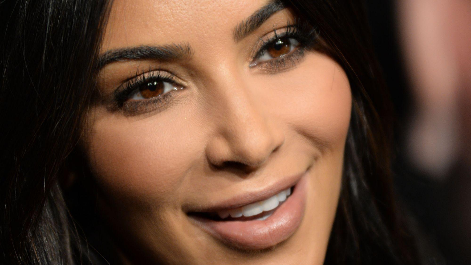 """Kim Kardashian aparece en portada de revista """"Forbes"""""""