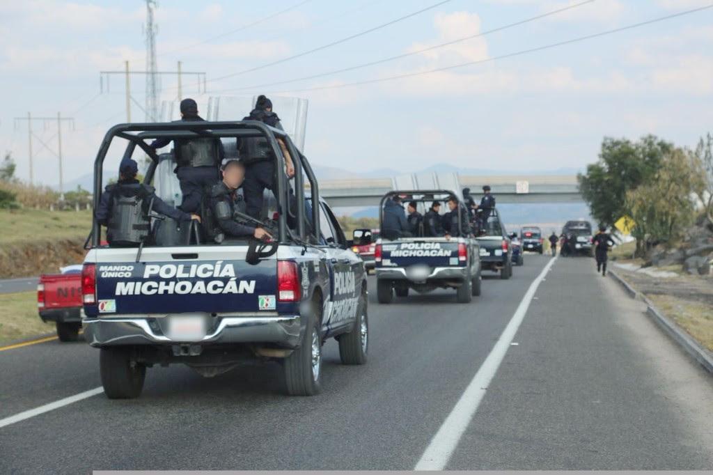 policia-michoacan-carretera-1
