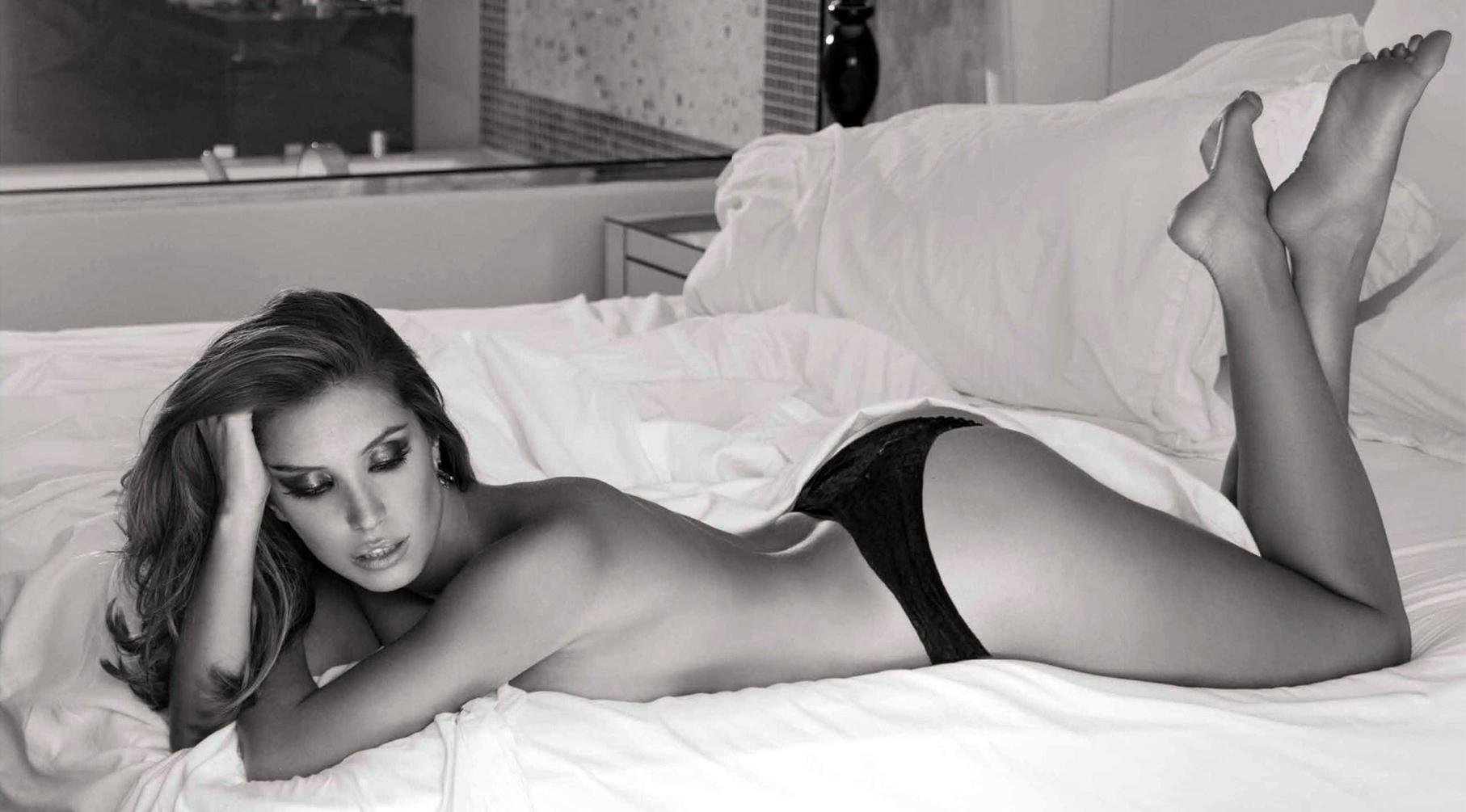 Andrea Escalona Desnuda andrea escalona es usada en el 'mercado' del porno – primera