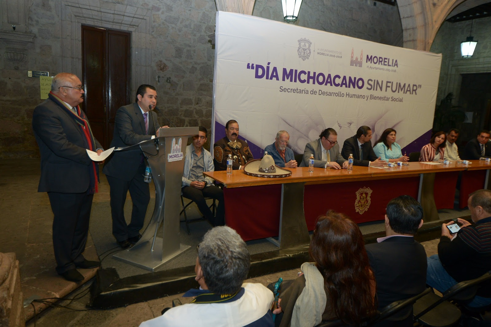 D a michoacanos sin fumar primera plana noticias for Cuarto dia sin fumar