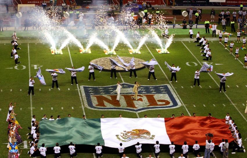 ct-nfl-football-mexico-spt-20160204