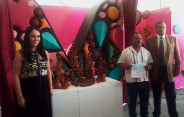 eb6bbcb004 Artesanos michoacanos se imponen en concurso de alfarería  El Árbol de la  Vida
